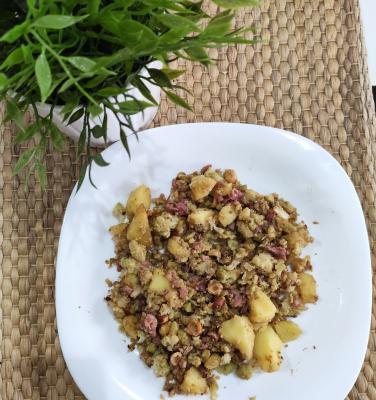 Dietista Nutricionista en Soria: Romanesco con tacos de jamón, patata cocida y avellanas picadas